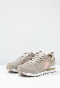 Skechers Sport - EXCLUSIVE - Sneakers laag - natural - 4