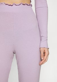 Nly by Nelly - OFF SHOULDER SET - Trousers - light purple - 4