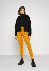 Monki - MEI - Leggings - Trousers - yellow - 1