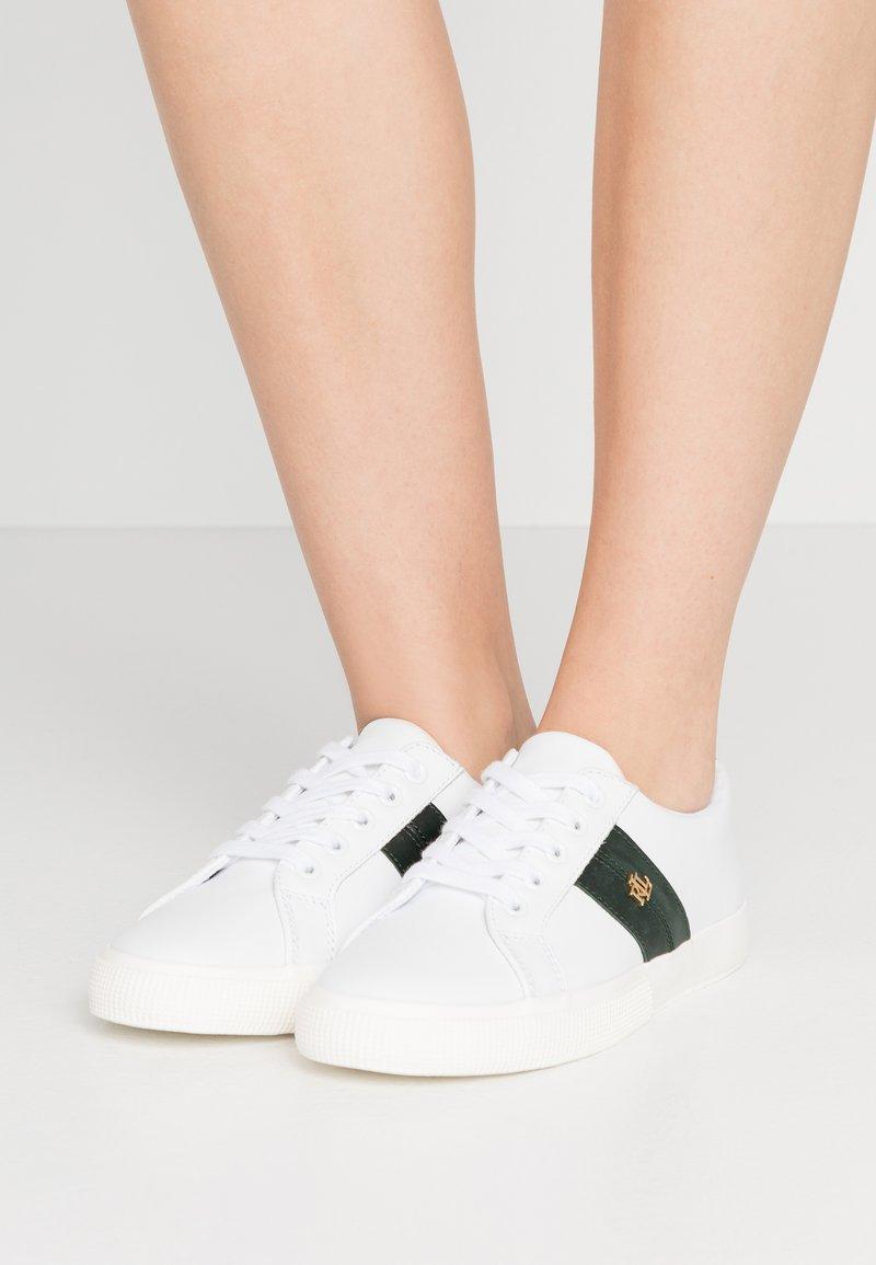 Lauren Ralph Lauren - JANSON II - Matalavartiset tennarit - white/green