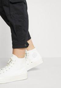 Converse - PANT - Trousers - black - 3