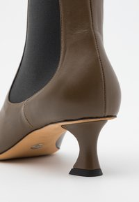 Proenza Schouler - Classic ankle boots - mud - 6