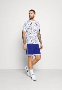 Nike Performance - DRY ACADEMY SHORT  - Sports shorts - deep royal blue/armory blue/white - 1