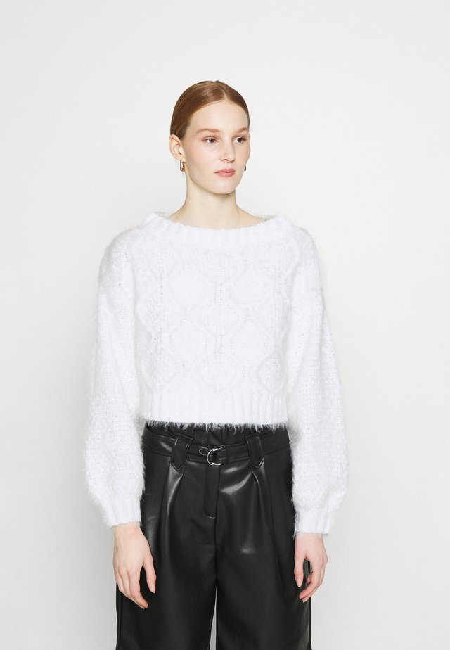 CROP JUMPER WITH LONG SLEEVES AND BOAT NECK - Sweter - offwhite