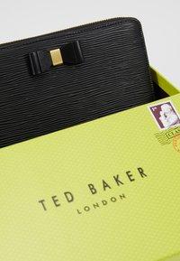 Ted Baker - ROUXI - Lommebok - black - 6