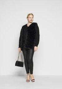 New Look Curves - GILET - Waistcoat - black - 1