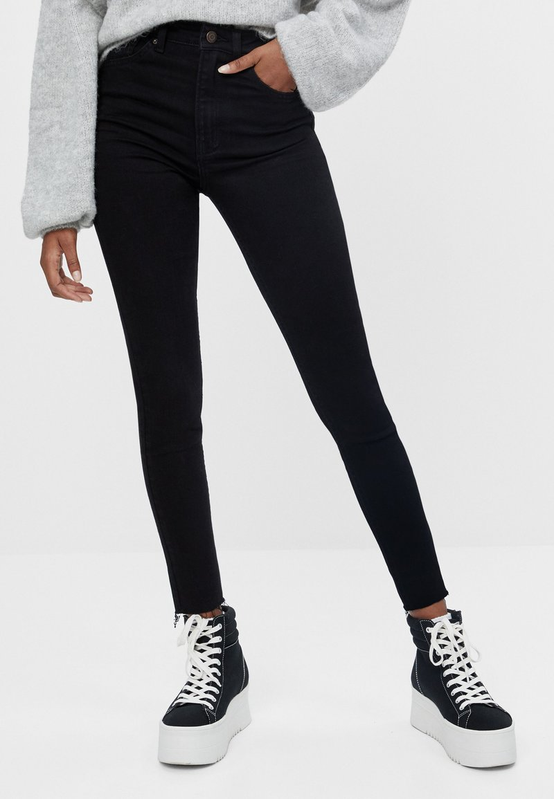 Bershka - Skinny džíny - black