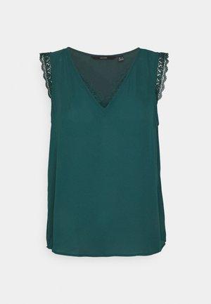 VMPOEL - Print T-shirt - sea moss