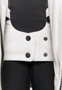 COLOURWEAR - BLAZE JACKET - Snowboard jacket - off white - 3