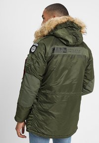 Alpha Industries - AIRBORNE - Winter coat - dark green - 2