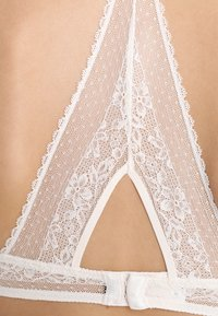 Passionata - EMBRASSE MOI  - Triangel-BH - champagner - 5