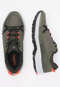 Haglöfs - TRAIL FUSE - Hiking shoes - deep woods/true black - 2