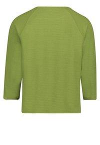 Betty Barclay - MIT KNOPFLEISTE - Sweatshirt - turtle green - 4