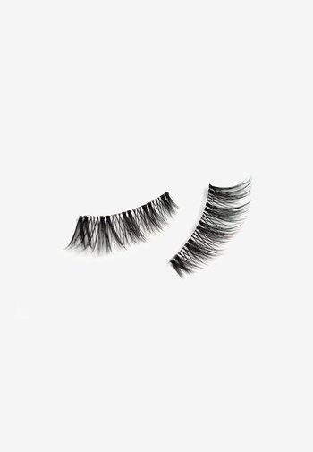LISA MARIE SCHIFFNER CEO OF SELFLOVE - False eyelashes - 3 black