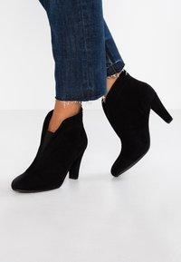 Carvela Comfort - RIDA - Ankle boots - black - 0