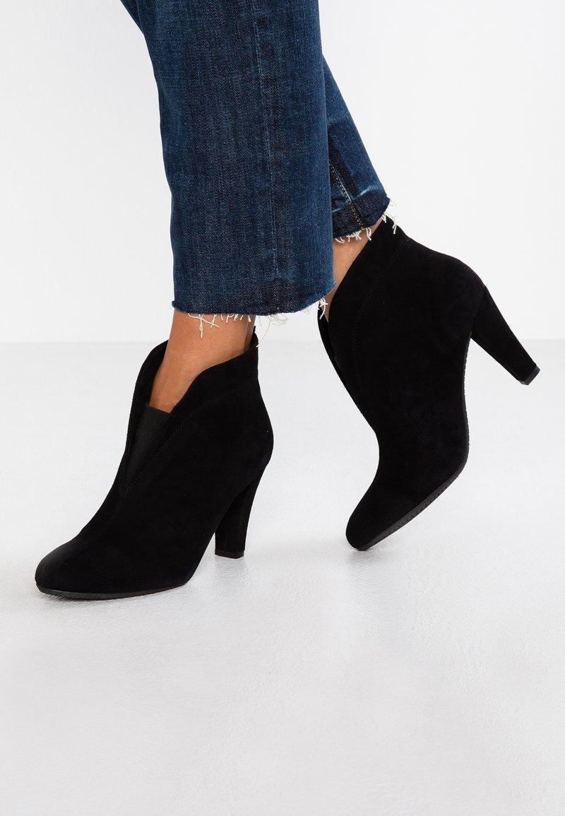 Carvela Comfort - RIDA - Ankle boots - black