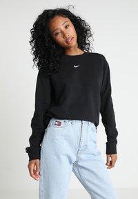 Nike Sportswear - CREW LOGO TAPE - Sweatshirts - black - 0