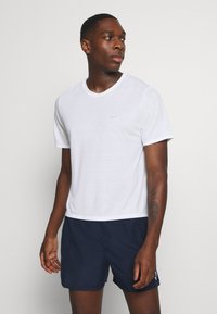 Nike Performance - MILER  - Basic T-shirt - white/silver - 0