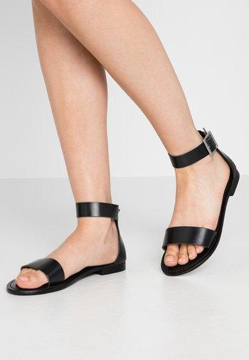 VMELSA WIDE FIT  - Sandales - black