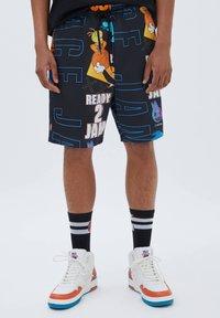 PULL&BEAR - SPACE JAM - Shorts - mottled black - 0