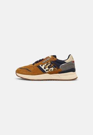 SPARROW - Sneakers laag - ochre/navy