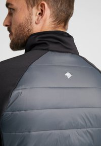 Regatta - BESTLA HYBRID - Outdoor jacket - black/magnet - 6