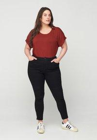 Zizzi - Basic T-shirt - red - 0