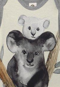 Müsli by GREEN COTTON - SPICY KOALA BABY - Body - pale greymarl - 3