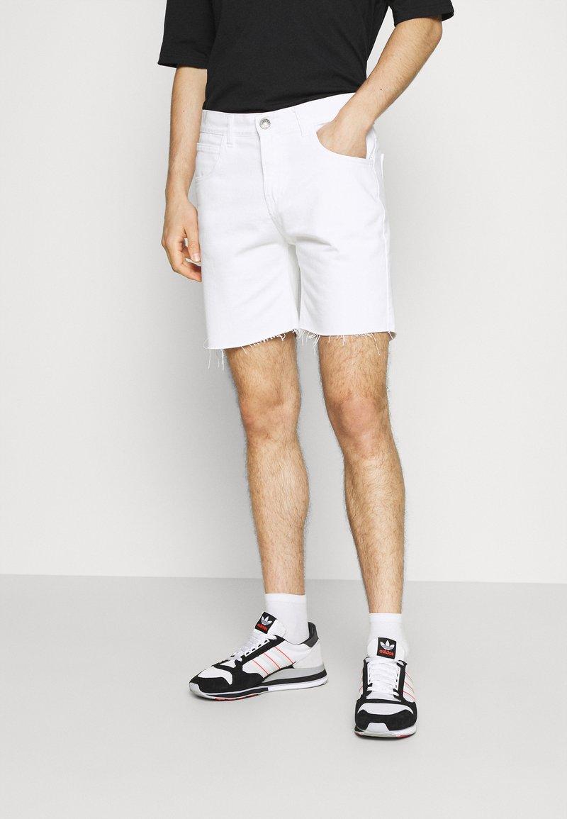 Kaotiko - BAGGY - Denim shorts - denim