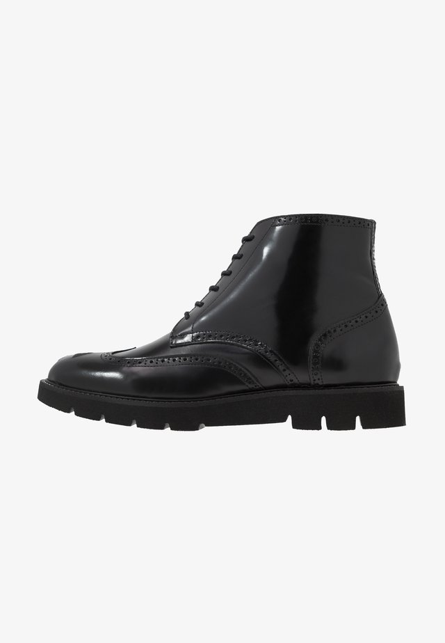 BAKER BROGUE BOOT - Lace-up ankle boots - black polido