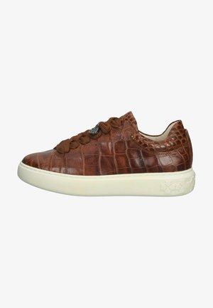 Sneakers laag - sable aligate