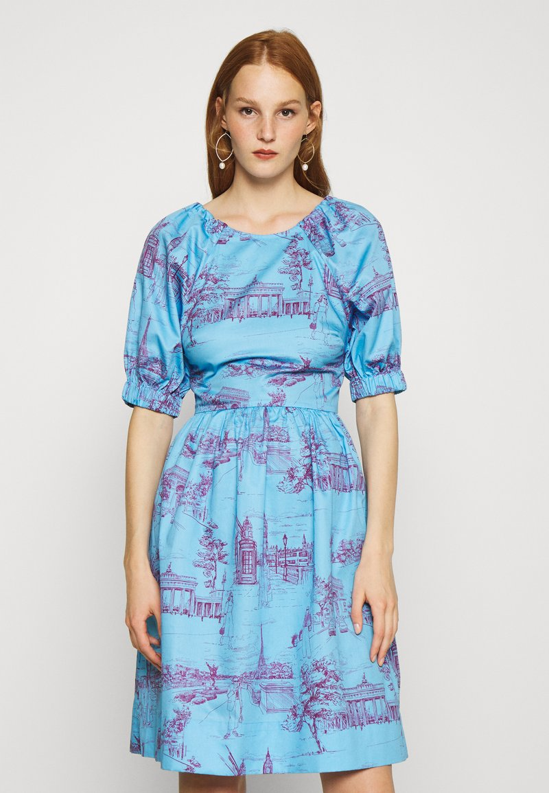 Who What Wear - CUT OUT BACK DRESS - Day dress - toile blue/burgundy