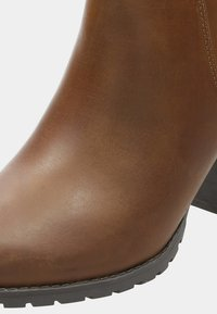 Clarks - VERONA TRISH - Classic ankle boots -  brown - 5