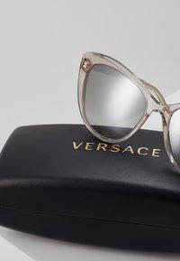 Versace - Occhiali da sole - brown - 3