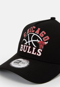 New Era - NBA GRAPHIC TRUCKER - Cap - black - 3