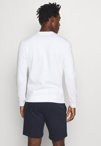 Champion - LEGACY CREWNECK - Sweatshirt - white - 2