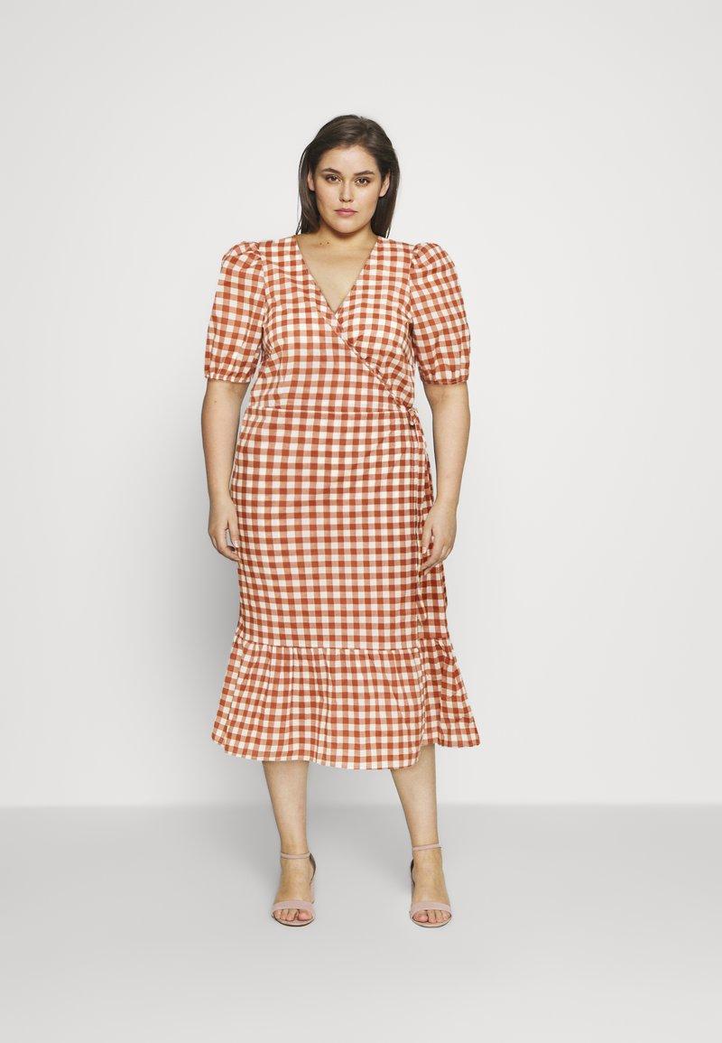 Vero Moda Curve - VMTAMITTA MIDI DRESS - Day dress - chutney