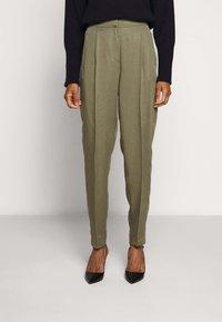 Bruuns Bazaar - TELMAH DAHLIA PANT - Trousers - olive tree - 0