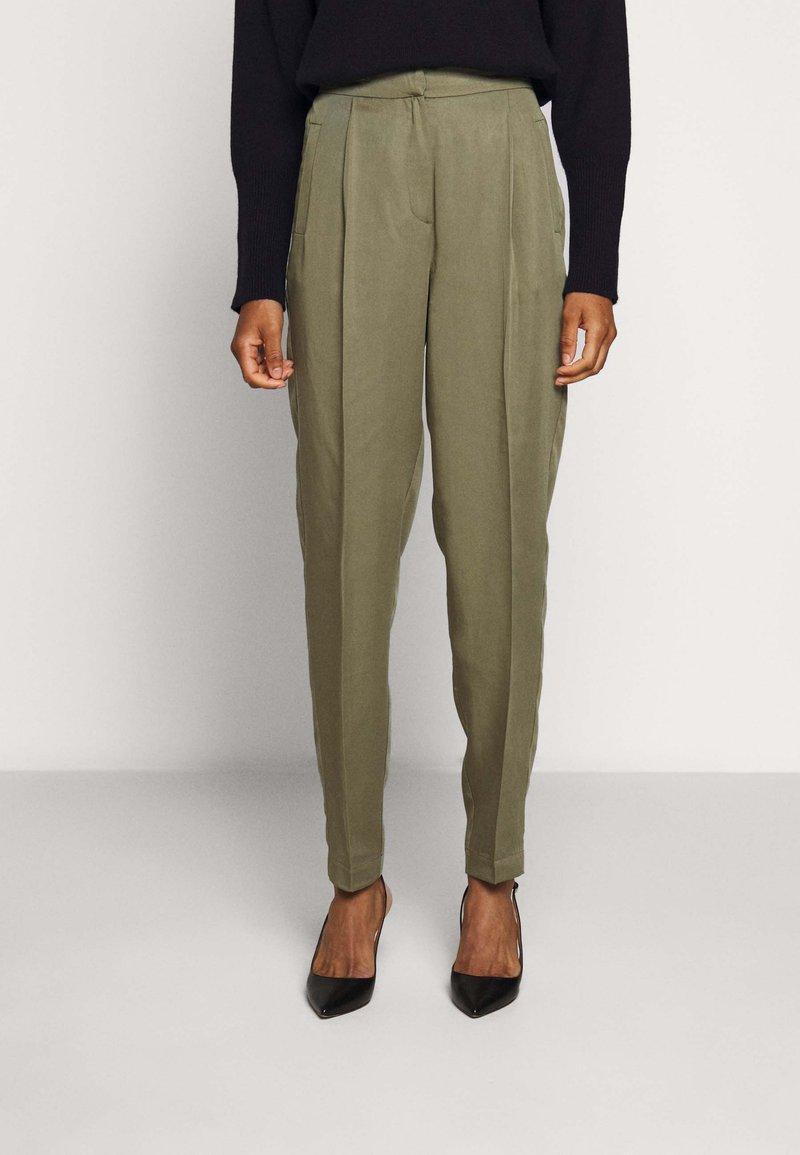 Bruuns Bazaar - TELMAH DAHLIA PANT - Trousers - olive tree
