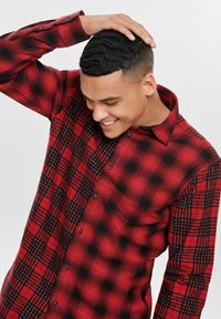 Only & Sons - ONSOZEAN MIXED CHECKED REGULAR SHIRT - Shirt - light red - 3