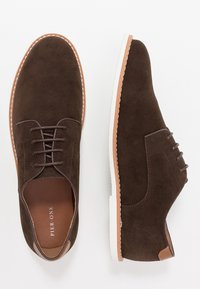 Pier One - Chaussures à lacets - dark brown