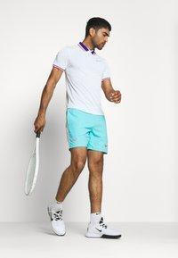 Nike Performance - SLAM - Sports shirt - white/ghost green - 1