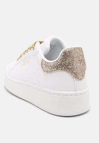 Benetton - TRIPLE GLIT - Sneakers basse - white/gold - 5