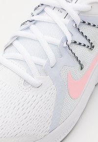 Nike Performance - ZOOM SPAN 3 FAIRMONT - Nøytrale løpesko - white/arctic punch/football grey - 5