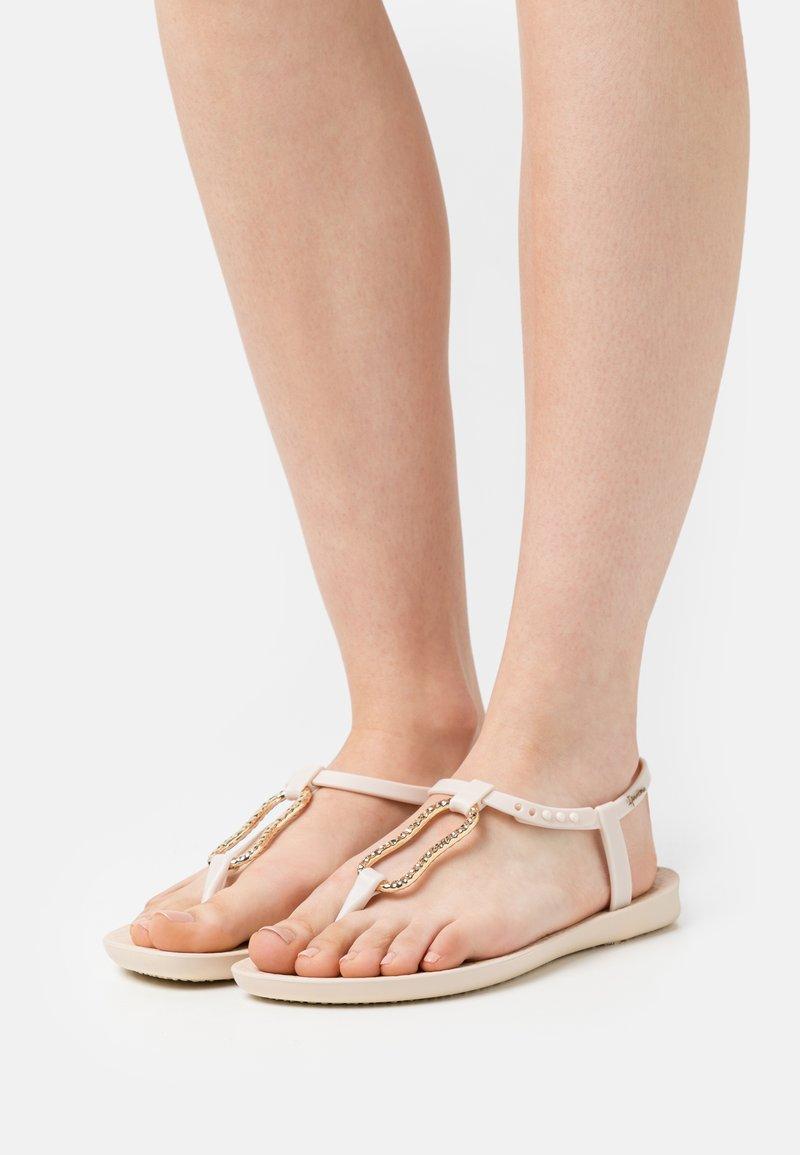 Ipanema - MOOD FEM - T-bar sandals - beige/gold