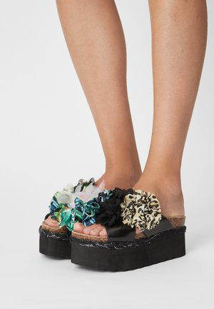 BES WITH FLOWER MIX - Muiltjes met hak - black