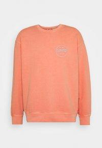 Levi's® - PRIDE RELAXED GRAPHIC CREW UNISEX - Sweatshirt - reds - 0
