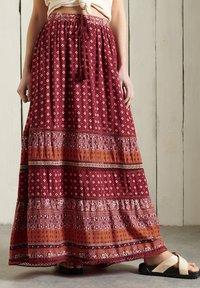Superdry - AMIRA  - Pleated skirt - rust print - 0