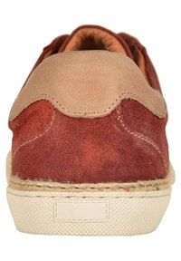 Pataugas - LOUIS H2G - Trainers - brick red - 1