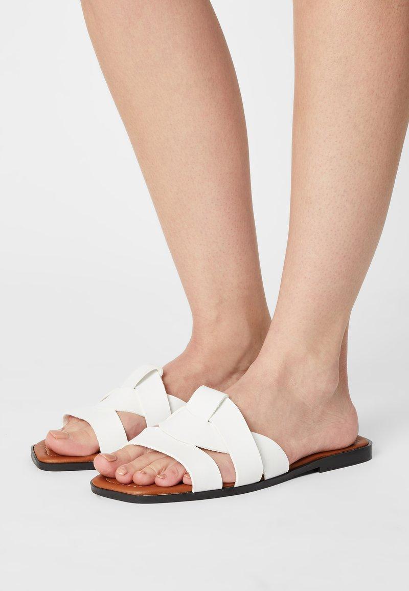 Trendyol - Mules - white